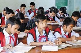 Học sinh dân tộc thiểu số rất ít người được hỗ trợ học tập