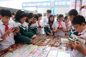 Học sinh Hà Tĩnh phấn khởi tham gia Ngày sách Việt Nam