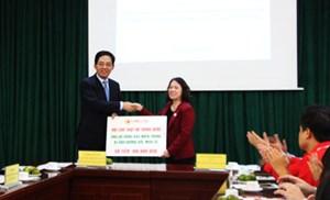 Hội Chữ thập đỏ Trung Quốc ủng hộ đồng bào miền Trung