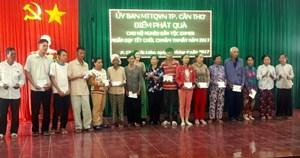 Hơn 450 phần quà gửi đến đồng bào dân tộc Khmer nhân dịp tết Chôl Chnăm Thmây