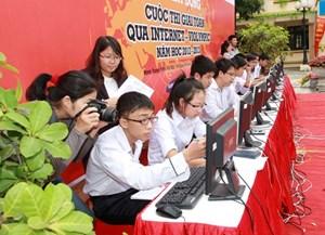 Hơn 550 học sinh miền Trung được giải thi giải Toán trên internet