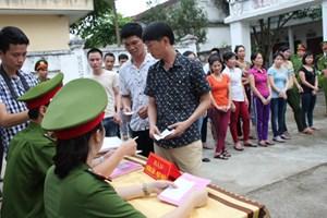 Hơn 700 người bị tạm giam, tạm giữ đi bầu cử
