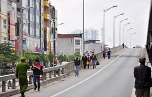 Người đi bộ trên cao tốc gây tai nạn nghiêm trọng có bị xử phạt không?