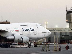 Iran khẩn cấp điều máy bay chở hàng hóa, thực phẩm tới Qatar