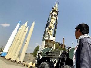 Iran tiến hành thử nghiệm tên lửa đạn đạo