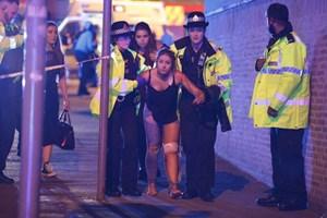 Nổ lớn tại nhà thi đấu Anh: Ít nhất 19 người chết, 50 người bị thương