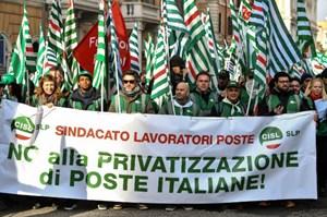 Italy tuần hành do kinh tế suy thoái