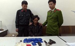 Kẻ tàng trữ 3.200 viên ma túy chống đối lực lượng chức năng