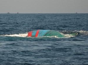 Khẩn trương tìm kiếm 5 ngư dân mất tích trên vùng biển Hoàng Sa