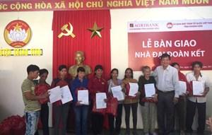Khánh Hòa bàn giao 100 ngôi nhà Đại đoàn kết