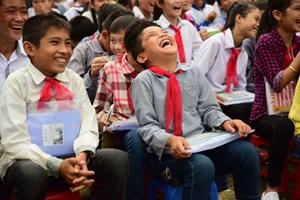Khánh thành thư viện và tổ chức vui Trung thu cho học sinh trường nghèo Quyết Chiến