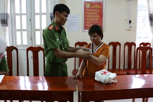 Khởi tố, bắt giam bảo mẫu bạo hành trẻ em ở TP Long Xuyên