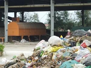 Khốn khổ vì nhà máy rác ngừng hoạt động