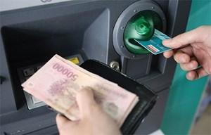 Không để hết tiền trong cây ATM dịp Tết