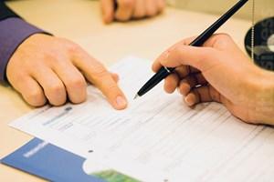Kí kết hợp đồng: Người lao động thờ ơ