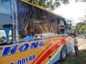 Kon Tum: Nạn ném đá xe khách tái diễn