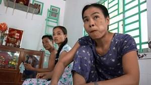 Kỳ lạ hai mẹ con hơn 20 năm ăn trầu thay cơm
