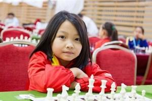 Kỳ thủ nhí Cẩm Hiền được thưởng 'nóng' 1.000 USD