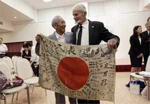 Lá cờ của binh sỹ Nhật tử trận và hành trình trở về sau 7 thập kỷ