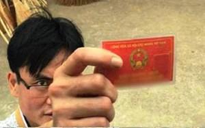 Làm rõ vụ cán bộ công an huyện Ba Vì rút thẻ ngành dọa tài xế xe tải