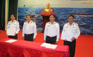 Lần đầu tiên kiểm tra Tư lệnh, Chính ủy Vùng Hải quân
