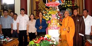 Lãnh đạo Kon Tum thăm chức sắc Phật giáo nhân Đại lễ Phật đản 2019