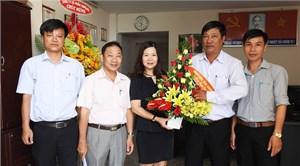 Lãnh đạo Mặt trận tỉnh Khánh Hòa chúc mừng VP Báo Đại đoàn kết tại Nha Trang