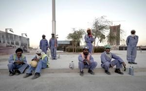 Lao động nước ngoài rời khỏi Qatar