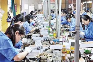 Lao động Việt Nam có nguy cơ thua trên sân nhà