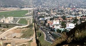 Lầu Năm Góc kéo dài sứ mệnh quân sự dọc biên giới Mỹ-Mexico