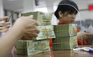 Khách hàng VCB mất tiền: Lỗi tại ai?