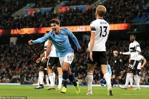 Manchester City thẳng tiến Cúp Liên đoàn Anh bằng đội hình 2