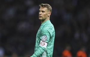 Đội trưởng Neuer ngầm ý rời đi, con tàu Bayern tiếp tục đảo chao
