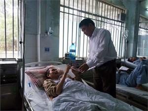 Mặt trận Quảng Nam hỗ trợ bệnh nhân có hoàn cảnh khó khăn