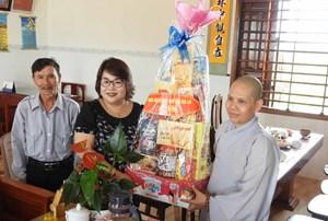 Mặt trận tỉnh Gia Lai chúc mừng Đại lễ Phật đản