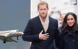 Máy bay chở Hoàng tử Harry và Công nương bị sét đánh