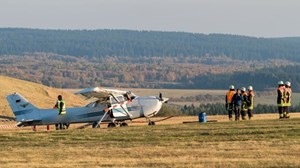 Máy bay lao vào đám đông ở Đức, 3 người thiệt mạng