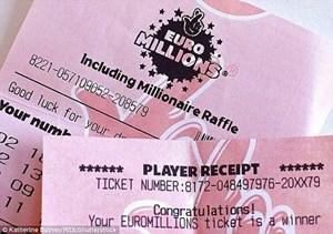 May mắn trúng xổ số gần 60 triệu bảng Anh
