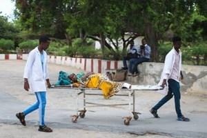 Đánh bom rung chuyển thủ đô Somalia, hàng loạt quan chức trọng thương