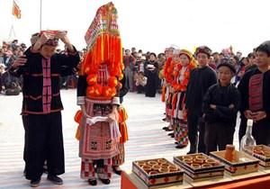 Mở lớp truyền dạy văn hóa phi vật thể cho dân tộc Dao
