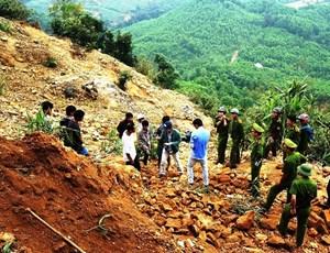 Mỏ vàng Bồng Miêu vẫn 'nóng hầm hập'