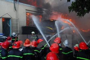 Một lính cứu hỏa hy sinh khi chữa cháy nhà trong đêm ở TP HCM