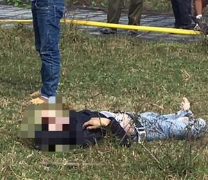 Một thanh niên tử vong ở bãi đất trống bên chiếc xe máy