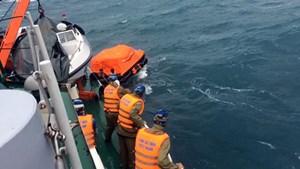 Một thuyền viên mất tích, 4 người được cứu sống trong hoảng loạn