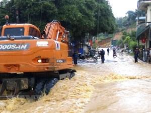 Mưa lũ gây ách tắc cục bộ nhiều tuyến đường ở Điện Biên