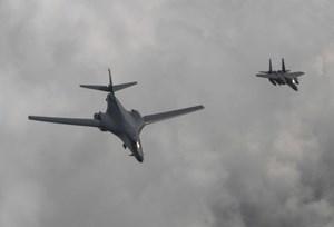 Mỹ cử máy bay ném bom bay qua bán đảo Triều Tiên