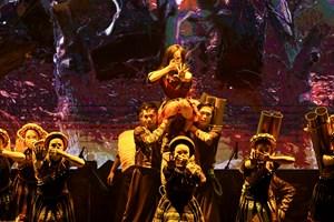 'Mỵ' lên sân khấu Nhà hát Lớn