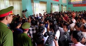 Náo loạn tại buổi xin lỗi 'tử tù' oan Hàn Đức Long