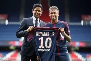 Neymar xem xét kiện Barcelona vì… quỵt tiền