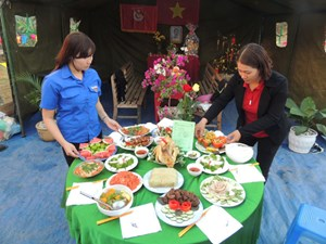 Ngày hội bánh chưng xanh ở Kon Tum